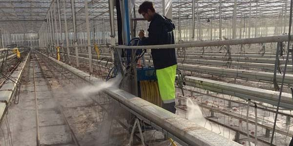 AquaJets make a clean start at Costa's tomato nurseries